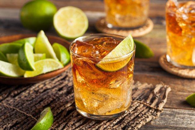 Karibik Rum auf Eis_(c) shutterstock_385915789.jpg