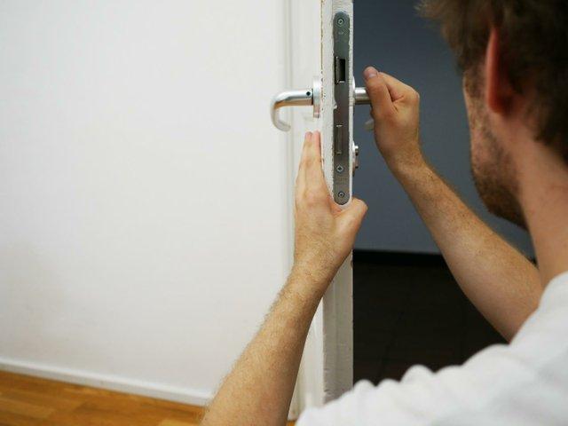 key-service-4521068_1920.jpg