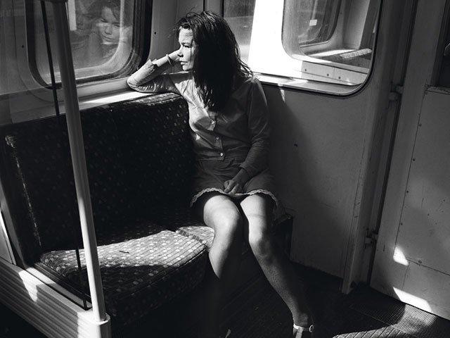 Kunstbox-0220_Anita-Beckers_BW-428---Bjork,-London-1995-Copyright-Anton-Corbijn-(00).jpg