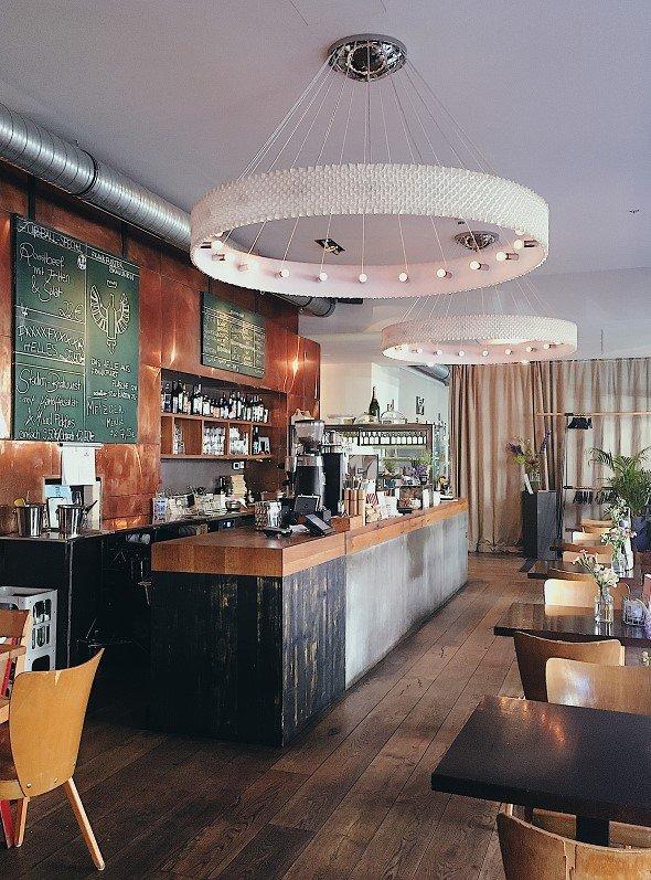 Bar Frankfurt.jpg
