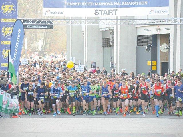 FrankfurterMainovaHalbmarathonFotoSportOnline.jpg