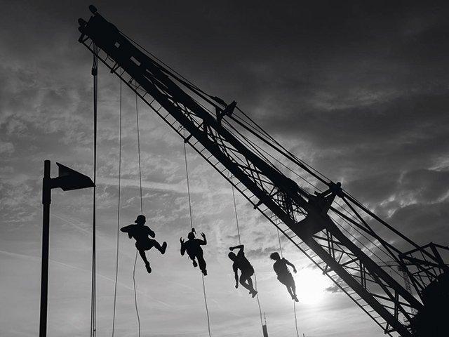 Sommerwerft--Kran--Akrobatik_bw_20160726_5670.jpg