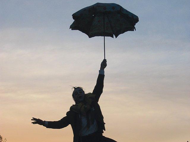 Der-Mann-mit-dem-Schirm.jpg