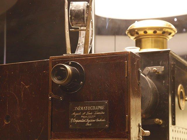 Pano-02_2021_Deutsches-Filmmuseum_Filmgeschichte-ABC_CinematographeL.jpg