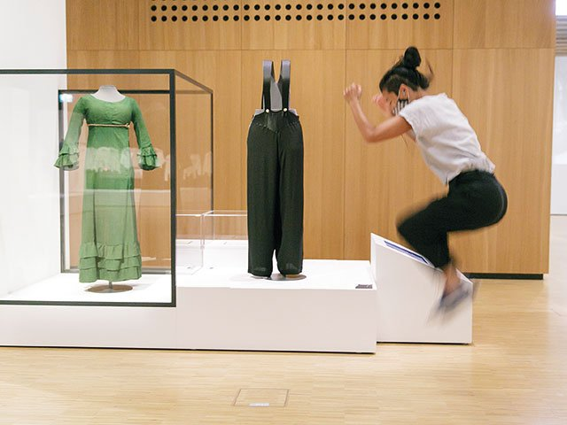 Kunstbox-03_21_Historisches-Museum_4_KleiderInBewegung©HMF,-Stefanie-Kösling.jpg