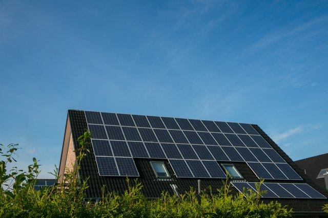 Dach mit Solar Anlage