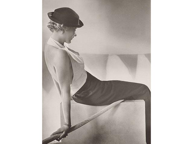 Kunstbox-06_2021_Städel_presse_yva_reise_und_segelanzug_1932_0.jpg
