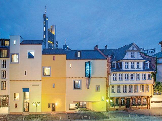 1-Deutsches-Romantik-Musuem-c-FDH-A.P.Englert.jpg