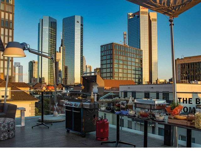 city beach flowcation ima rooftop open air locations in frankfurt frizz frankfurt. Black Bedroom Furniture Sets. Home Design Ideas