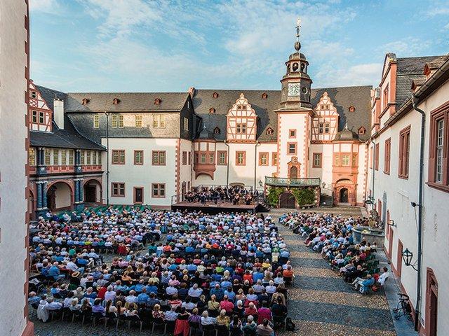 Festspielsommer in Weilburg - Open-air Konzerte im Renaissancehof.jpg