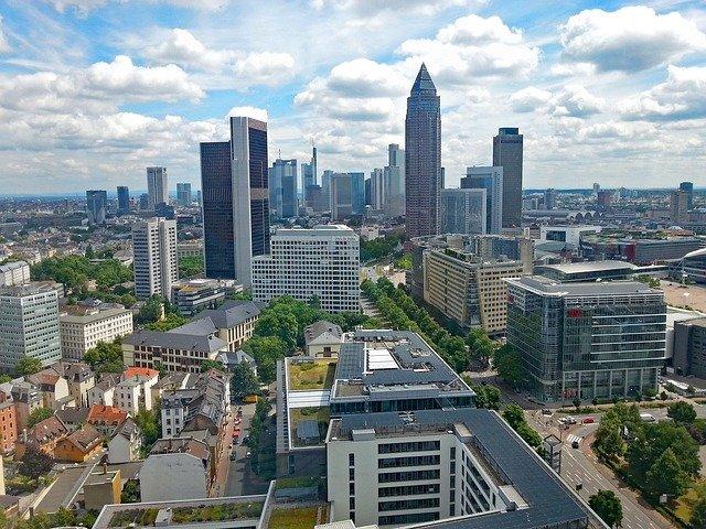 Frankfurt Wohnen.jpg