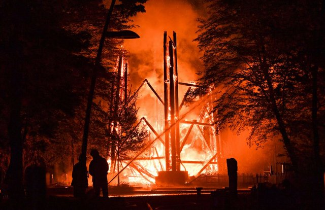 urn:newsml:dpa.com:20090101:171012-90-003977