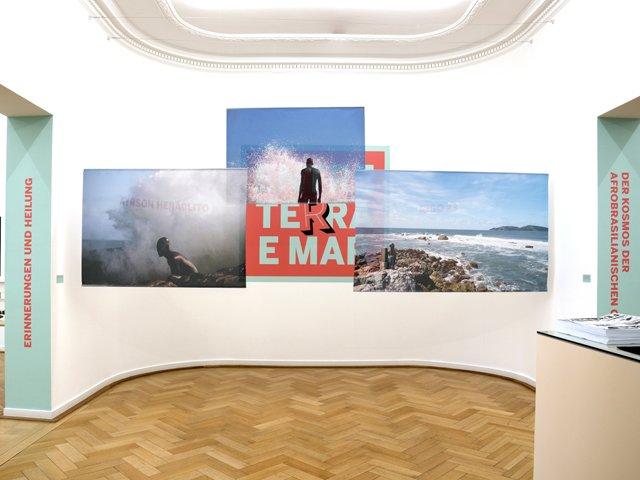 Weltkulturen_Museum_Entre_Terra_e_Mar_Ausstellungsansicht_copyright_Wolfgang_Guenzel.jpg