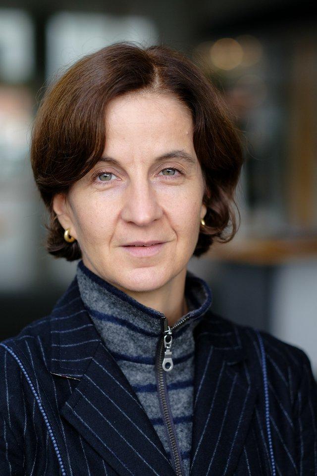 Dr. Sylvia Asmus