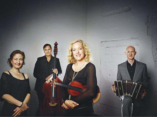 villa-musica-Isabelle-van-Keulen-Ensemble-c-Merlijn-Doomernik.jpg