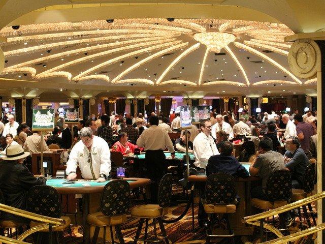 gambling-587996_1920.jpg