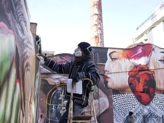 Naxos_Graffiti_Copyright_Wolfang_Guenzel.jpg