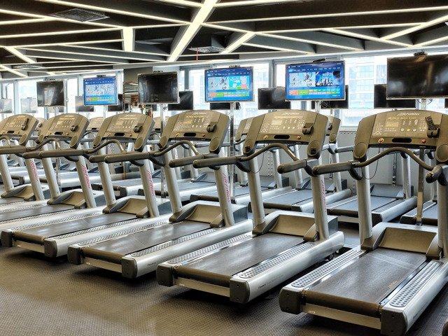 treadmill-2704410_1920.jpg