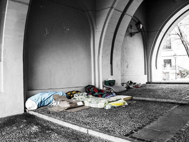 homeless-2090507_1280.jpg