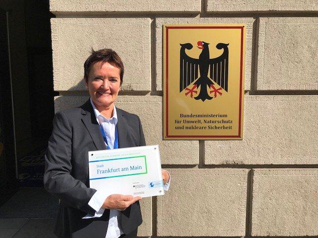 Heilig_Auszeichnung_Klimaschutz_Bundesumweltministerium_1_copyright_Stadt_Frankfurt_Hanna_Jaritz.jpg
