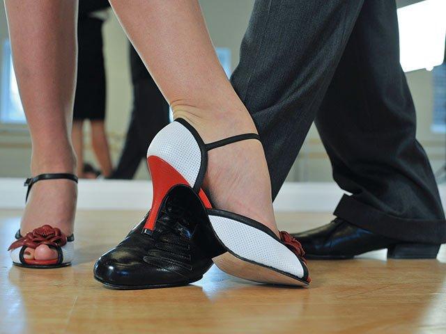 argentine-tango-2079964_1920-(1).jpg