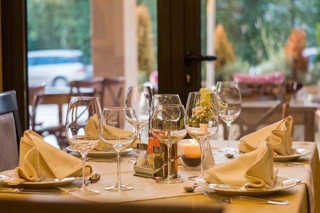 restaurant-449952_1920(2)_Easy-Resize.com.jpg