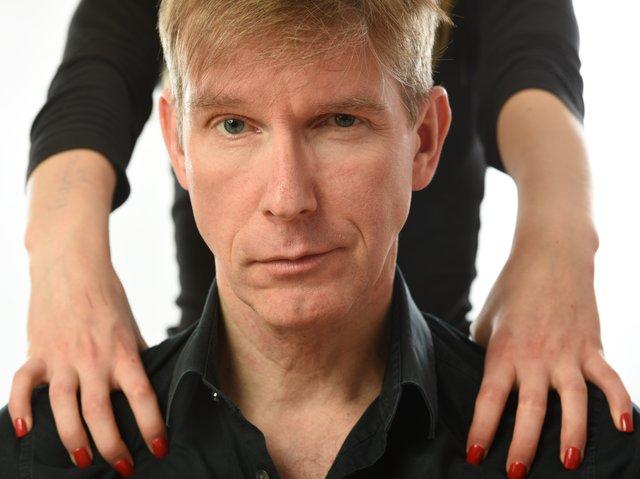 Peter Vollmer - Er hat die Hosen an - sie sagt ihm, welche _ Querformat 1 (Fotografin Ulrike Reinker).jpg